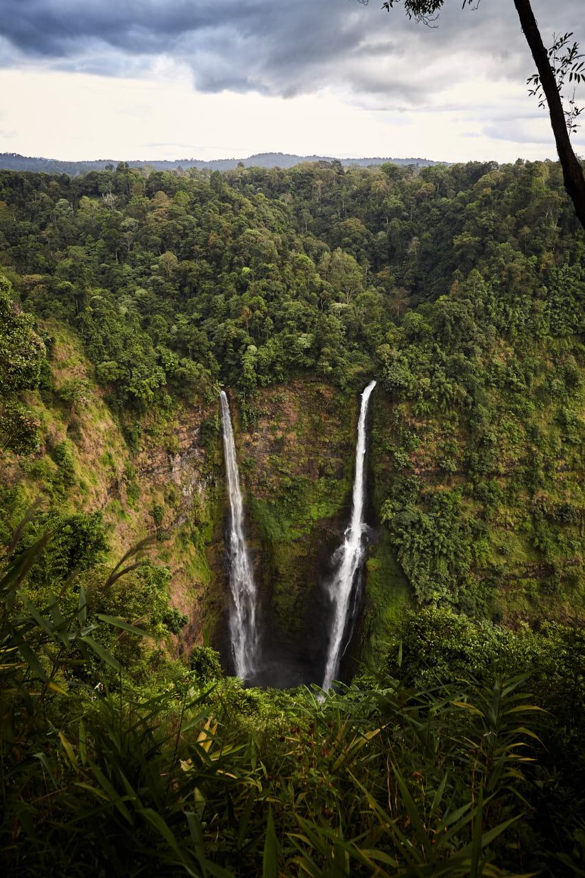 Des cascades géantes au Laos