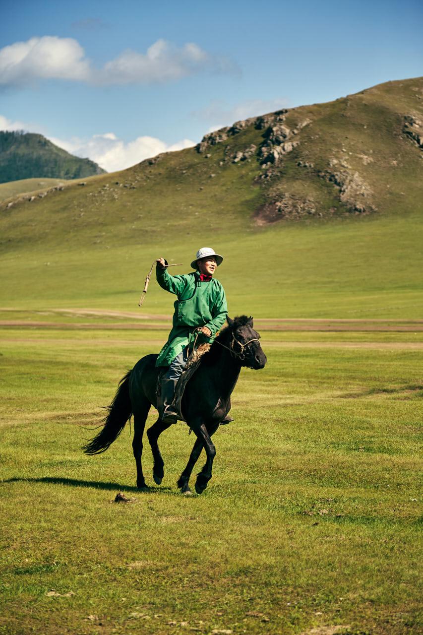 Un cavalier mongol en tenue