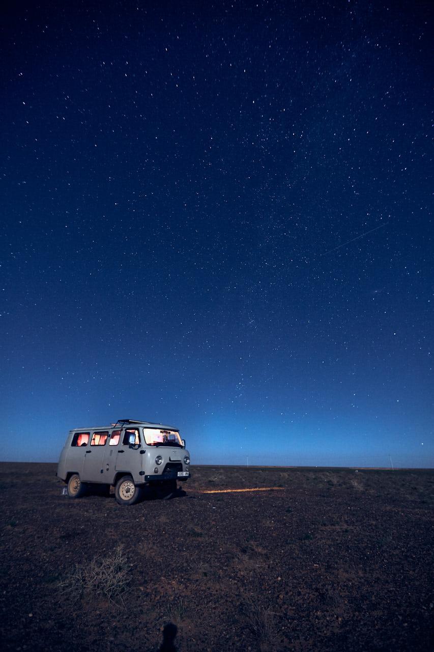 Van mongol sous les étoiles