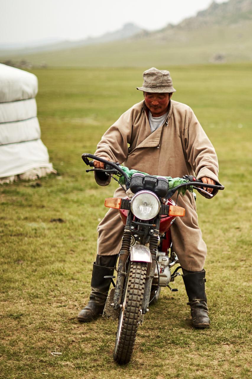 Un mongol sur la moto