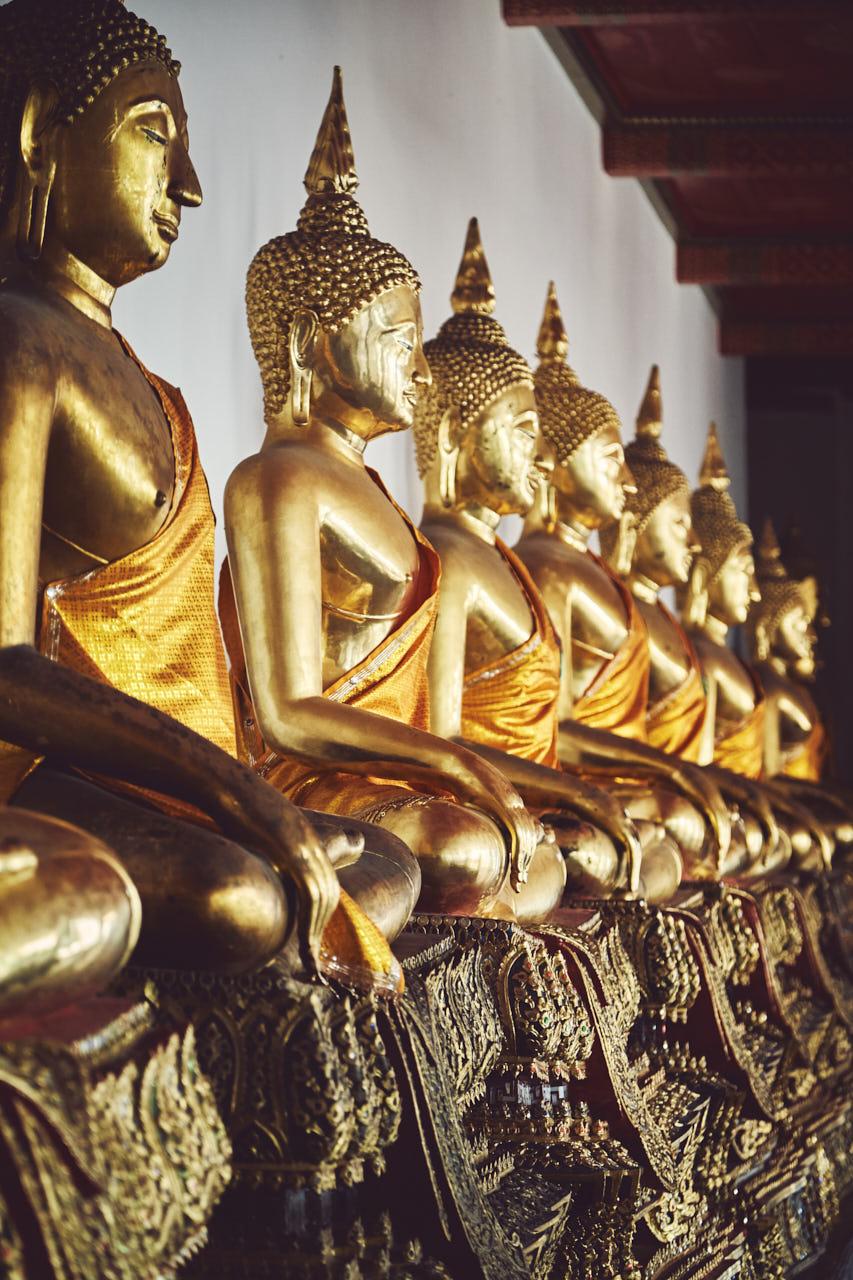 Des statues de bouddha